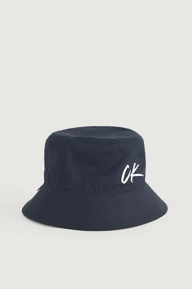Hattu Bucket Hat