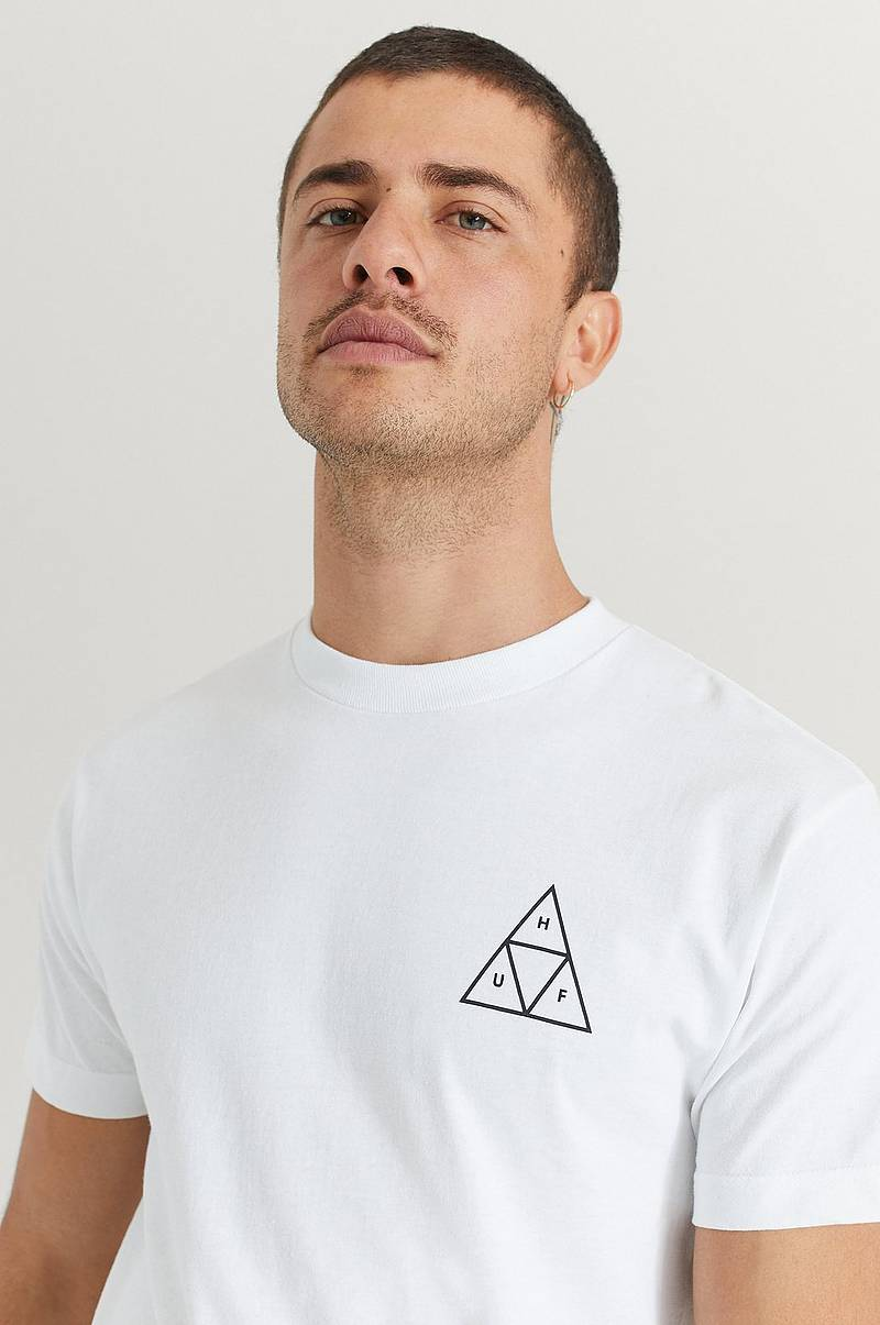 T-Shirt Essentials TT S/S Tee