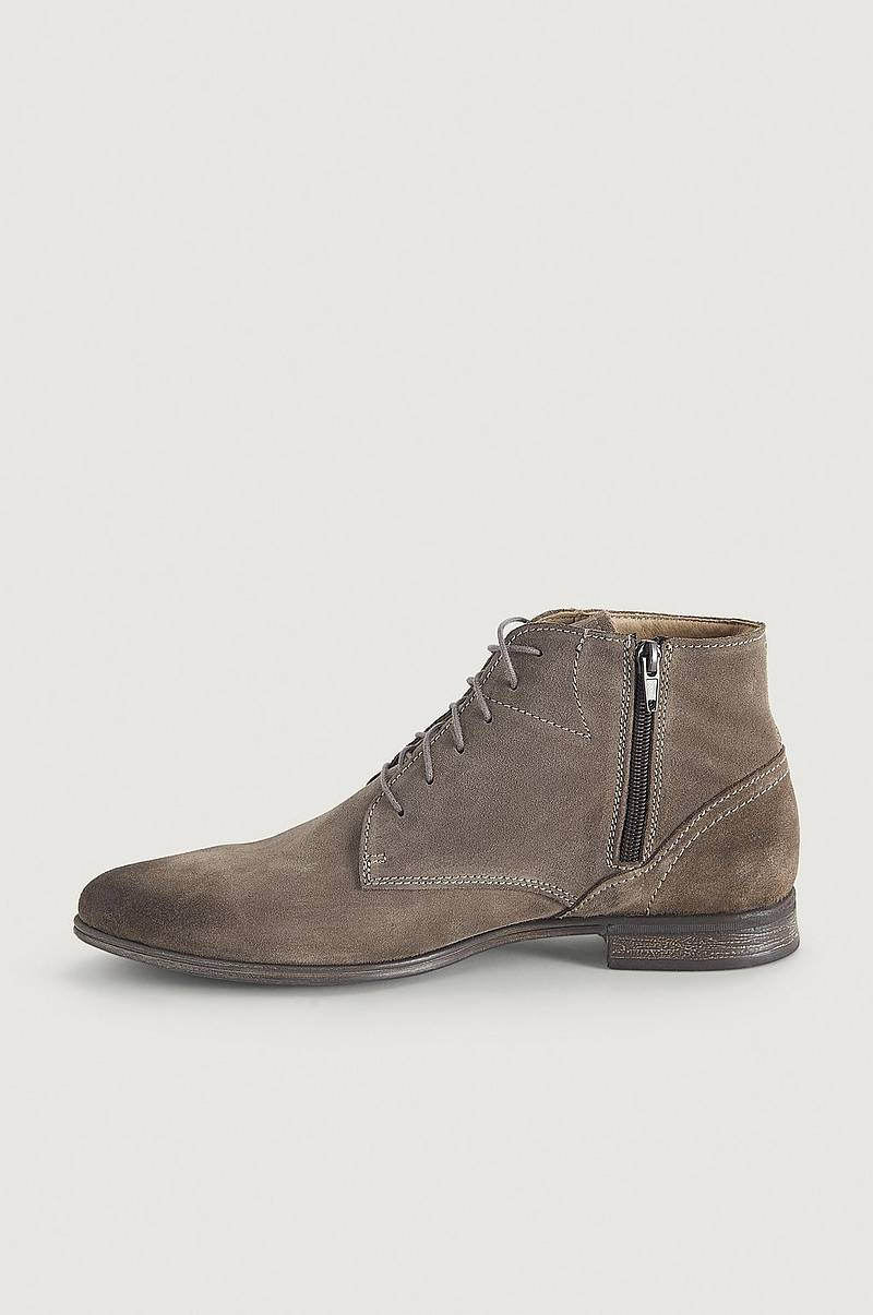 Skor Dirty Mid Suede Shoe