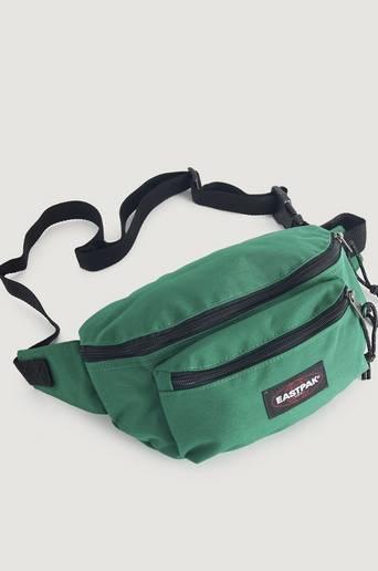 Eastpak Axelremsväska Doggy Bag Grön