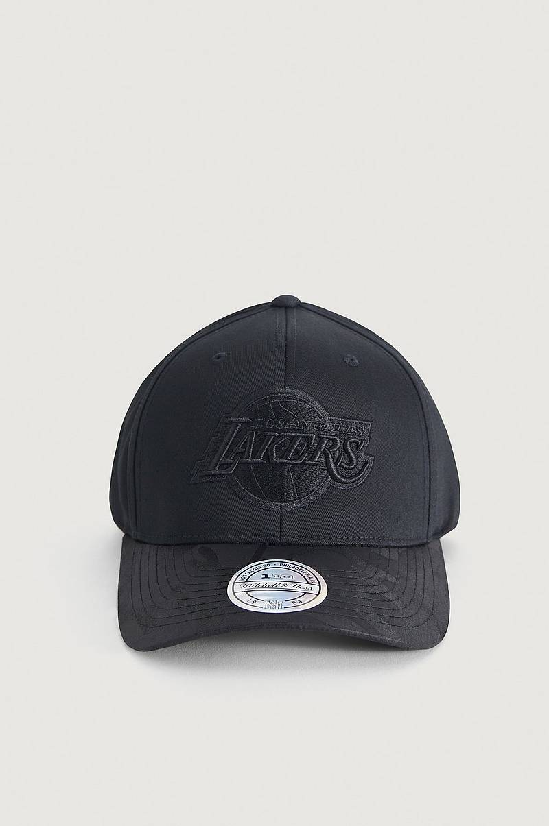Caps Black Out