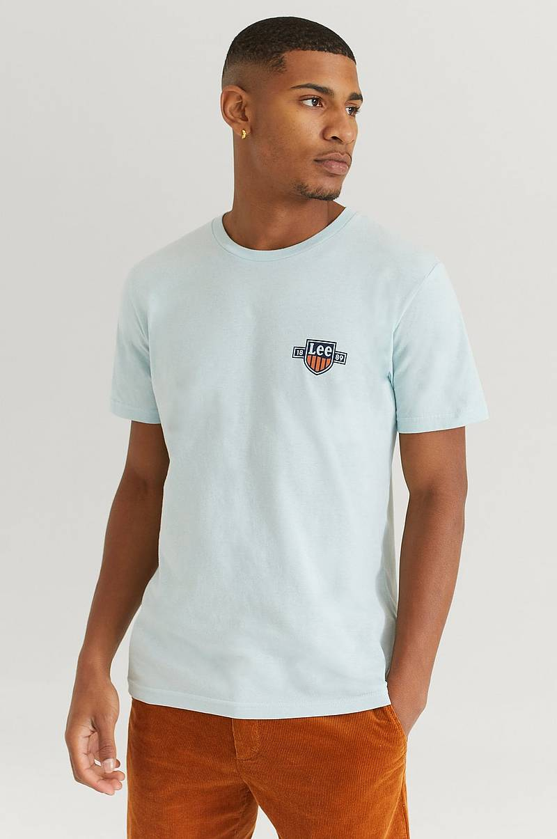 T-shirt Chest Logo Tee