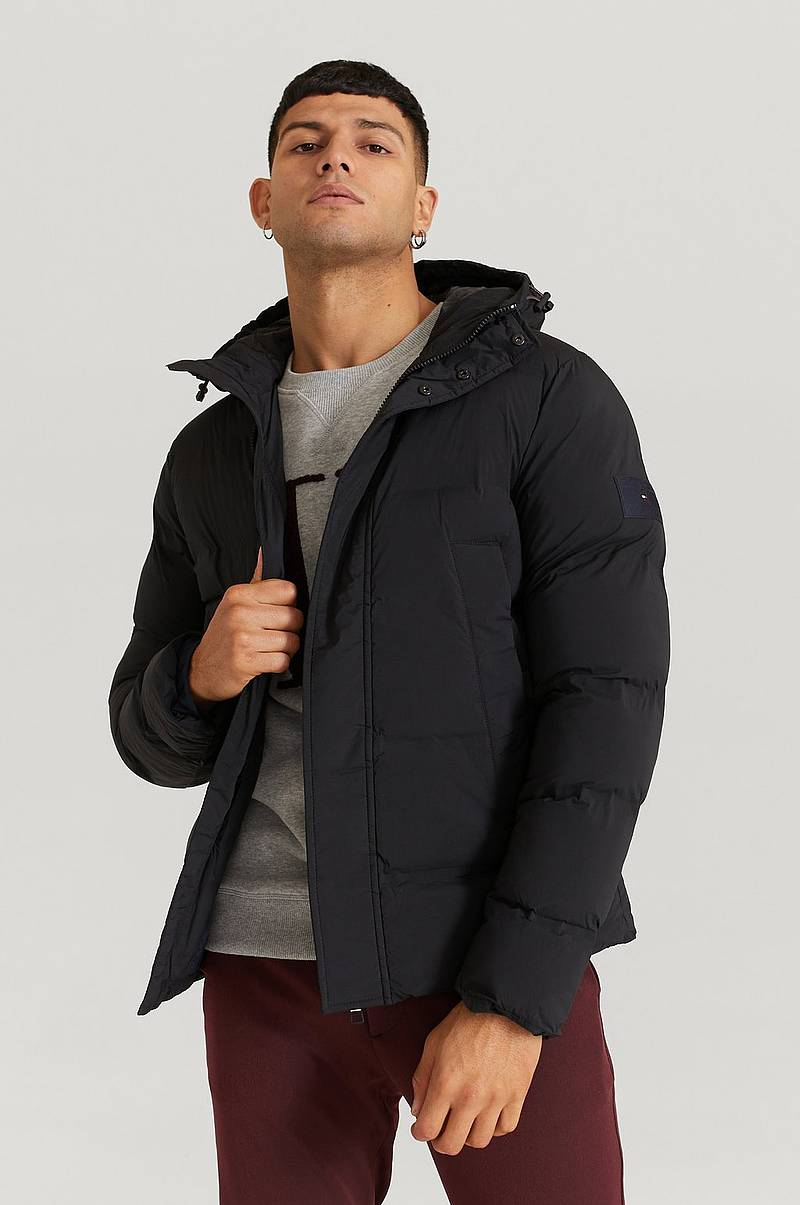 Jacka Hooded Stretch Bomber