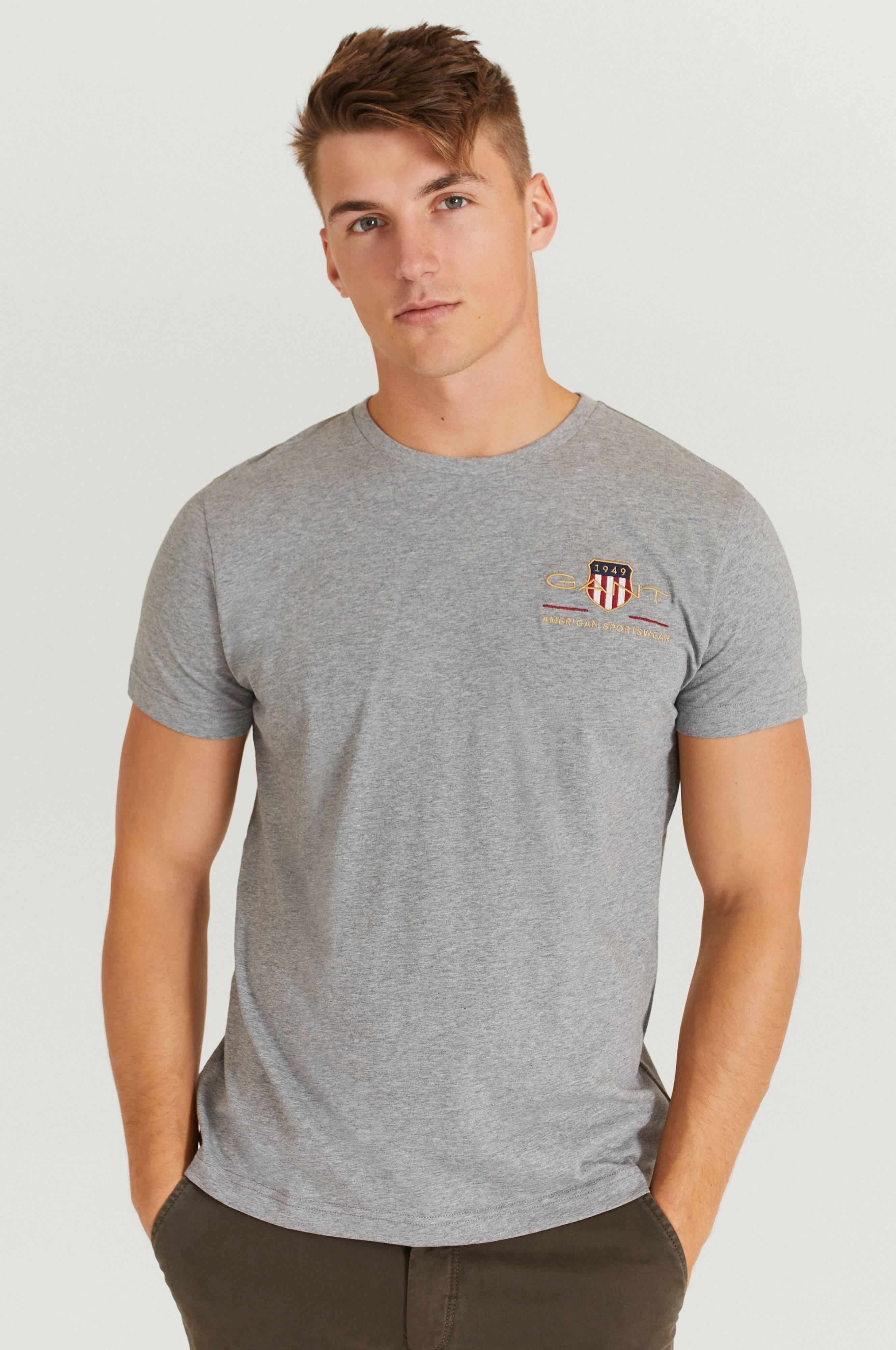 Gant T-Shirt Arcive Shield EMB SS T-Shirt Grå