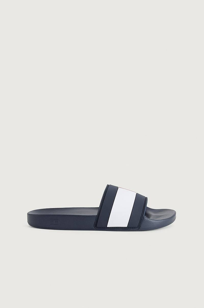 Sandaler Essential Flag Pool Slide