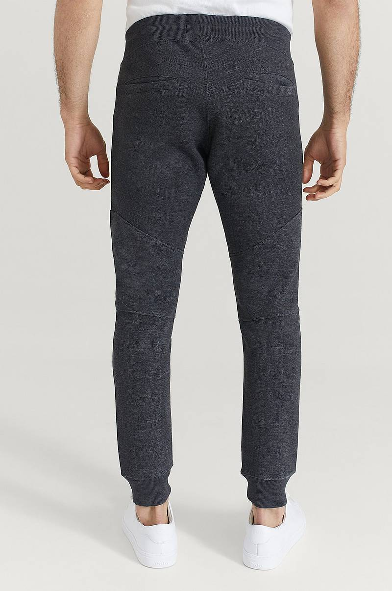 Collegehousut Slim Fit Jogger Pants
