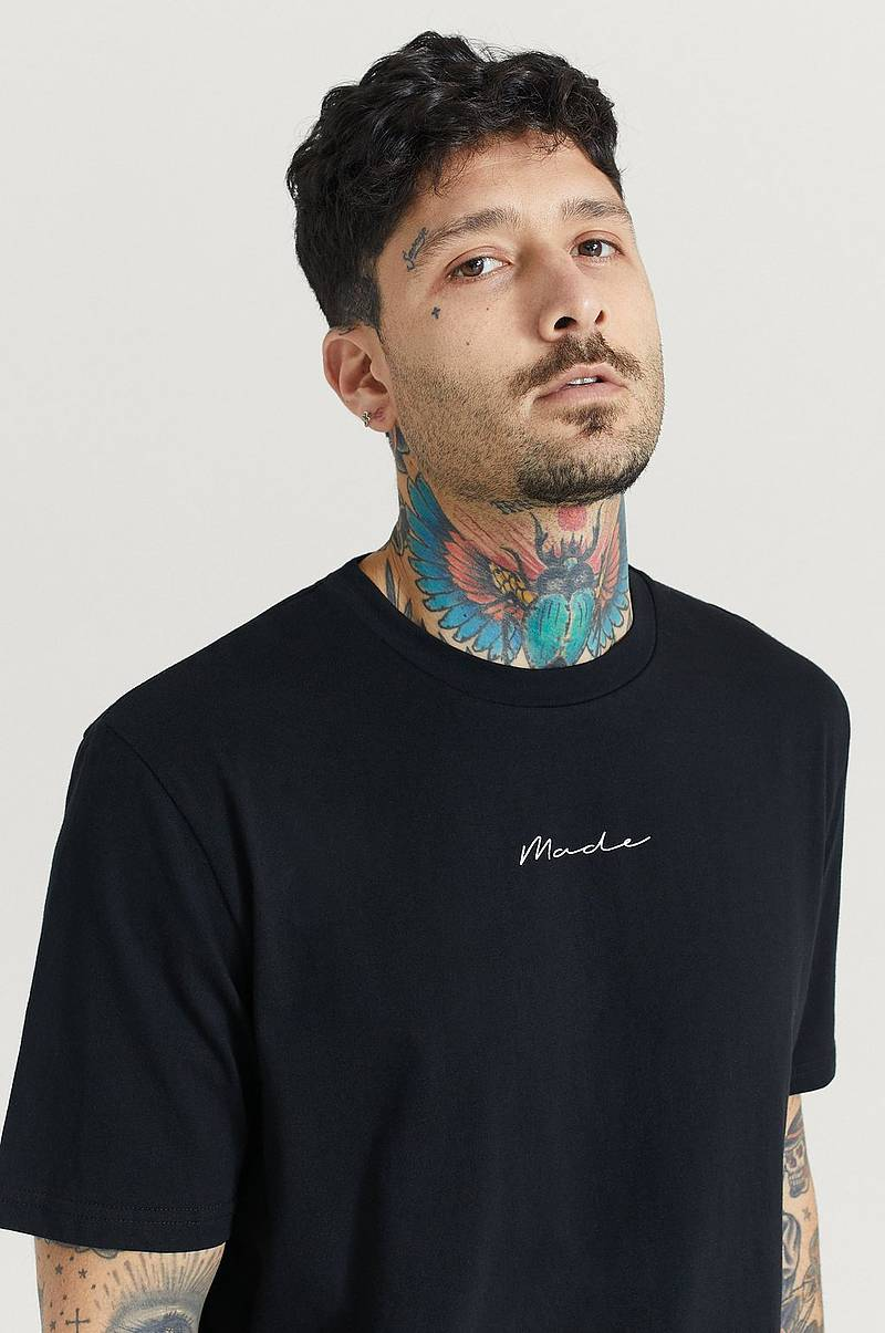 T-Shirt Relaxed Tee Signature
