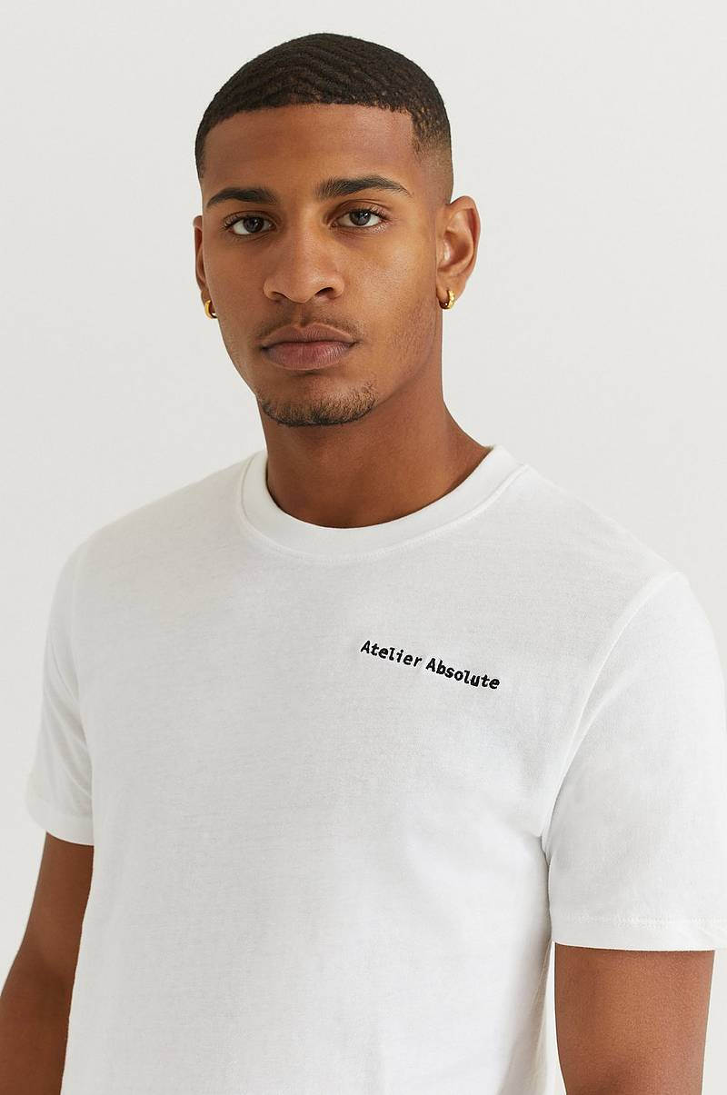 T-Shirt Embroidery Tee